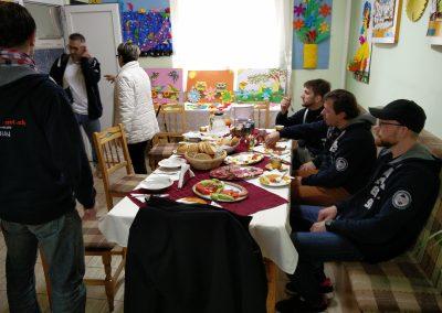 Das Waisenhaus hat uns Essen vorbereitet