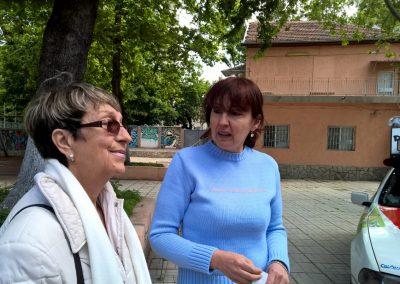 Dolmetscherin Mariana Gamizova (links) und die Waisenhausleiterin (rechts)