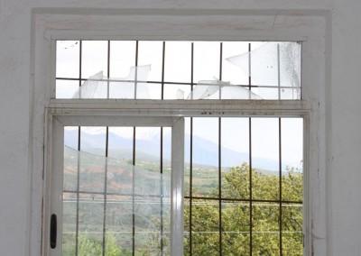 Fenster mit kaputtem Glas